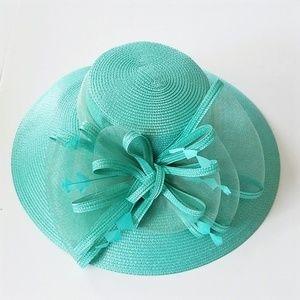 Just amazing Derby dress hat